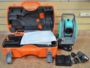 Nikon Nivo 3 m Total Station Surveying Laser Transit Level W Hard Case