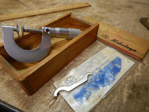 Older Mitutoyo 123 125 0 1 Disc Disk Face Micrometer With Wooden Case Machinist