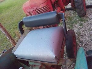 John Deere M Tractor Jd Deluxe Seat Assembly W Seat Cushion