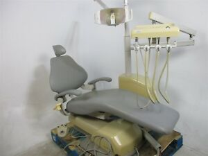 Dentalez Dental Patient Exam Chair W Delivery System Surgical Light