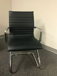 Traditional Leather Chair Black Zetti Visitor semi New Bogo