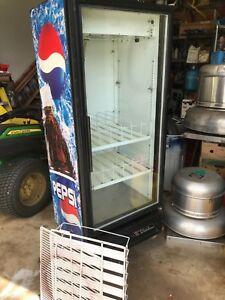 True Gdm 12 Commercial Glass Door Beverage Cooler