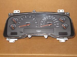 2004 04 Dodge Dakota Truck Speedometer Cluster Auto Transmission 6 Gauge 76k