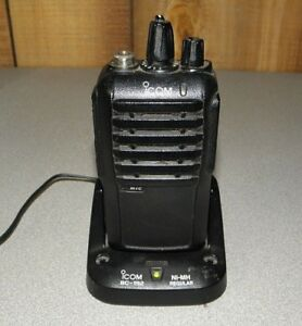 Icom Ic f4001 Uhf Two way Radio With Battery And Charger 406 470 16 Channels