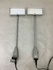 Lot Of 2 Skyline Led Light Tradeshow Booth Display 34963 silver 120 Two Lights