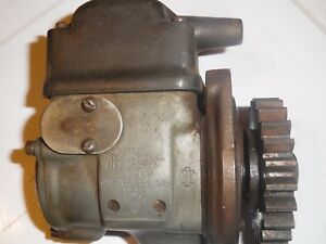 International Harveste Lb 3 5 Hp Gas Engine R H1 Magneto Old Motor Part