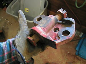 Farmall 300 Rowcrop Tractor Fasthitch Bottom Buckle Brk