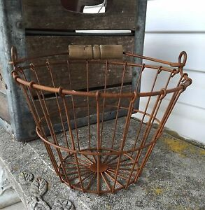 Small Primitive Rusty Wire Egg Basket Wood Handle Farmhouse Decor