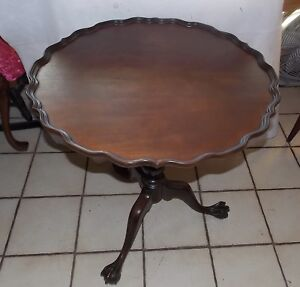 Mahogany Carved Pie Crust Chippendale Parlor Table Lamp Table Imperial T762