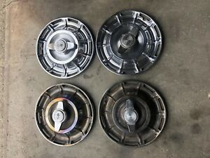61 Vette Hubcaps W Spinners