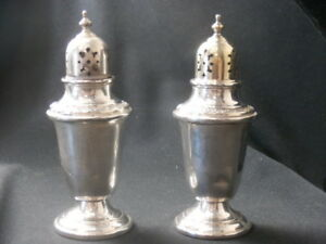 Vintage Gorham 978 Sterling Silver Salt And Pepper Shakers Puritan Pattern