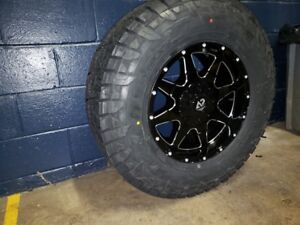 17x9 12 A2or1 Wheels And 33 Fuel At Tire Package 6x5 5 Gmc Sierra Yukon