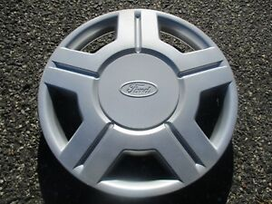 One Genuine 2001 To 2003 Ford Windstar Taurus 15 Inch Hubcap Wheel Cover