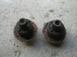 Oliver 70 Rowcrop Tractor Original Pair Set Of 2 Front Hubs With Caps For Rims