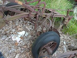 Minneapolis Moline 2 X 14 Bottom Pull Type Plow Rope Trip Rubber Tires Steel Tr