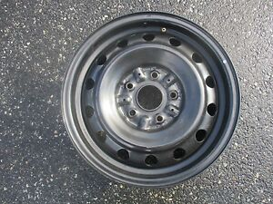 One Genuine 1993 To 2005 Toyota Camry 15 Inch Steel Wheel