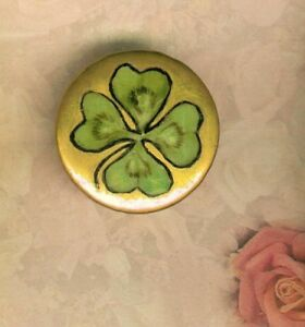 Victorian Hand Painted Porcelain 4 Leaf Clover Over Gold Stud Button