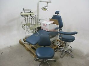 Dentalez E3000 Dental Exam Chair W Delivery Light Handpieces Stools Etc
