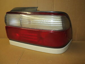 Toyota Corolla 96 97 1996 1997 Tail Light Passenger Right Rh White Trim