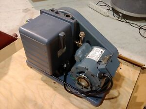 Welch Duoseal 1042 Laboratory Application Vacuum Pump 1 2hp Ph1 115v