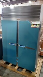 Traulsen G20010 53 Two Section Reach in Refrigerator 2 Solid Door 115v