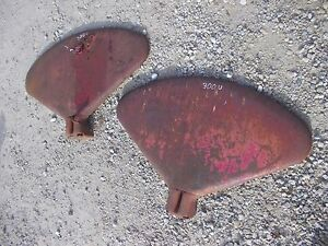Farmall 300 350 Utility U Tractor Original Ih Set Pair Of Fenders