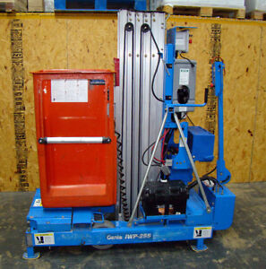 Genie Iwp25s Electric Man Lift 25 Bucket Scissor 31 Work Height New Batteries