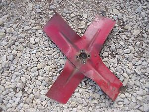 International 460 Utility Ih Tractor Engine Motor Pump Assembly Fan Blade
