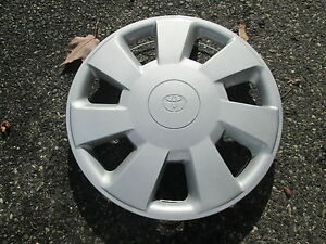 One 1992 To 1994 Toyota Paseo 14 Inch Hubcap Wheel Cover