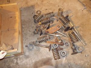 Farmall 450 400 Tractor Ih Engine Cylinder Motor Head Valves Springs Keepers