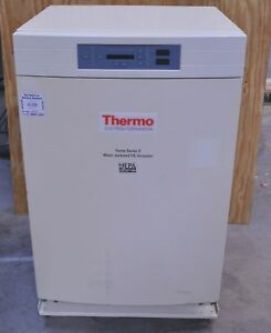 Thermo Scientific 3110 Forma Series Ii Water jacketed Co2 Incubator