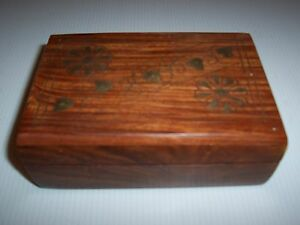Very Nice Wood On This Box W Brass Floral Heart Inlays 5 7 8 X 4 X 21 8 H