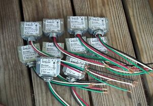 Reloc Cd 120 E M10 Circuit Distributor 120v 4 Wire 12awg Lot Of 10 Acuity Usa
