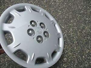 One Factory 1999 2000 Plymouth Breeze 14 Inch Hubcap Wheel Cover