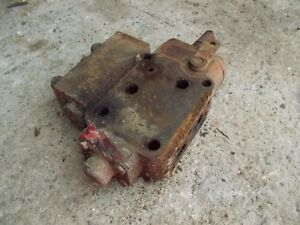 Farmall 460 560 Tractor Ih Hydraulic Control Valve With Flow Valve Attach To It