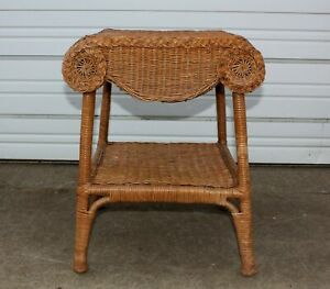 Ornate Vintage Wicker Small Accent Table Plant Coffee Stand W Shelf Mid Century
