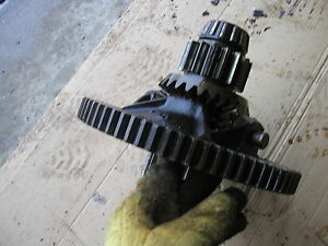 1938 Unstyled John Deere B Tractor Jd Main Rearend Pinion Differential Drive