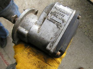 One Cylinder Wisconsin Briggs Lauson fair Banks Morse Short Prong Fmj Magneto