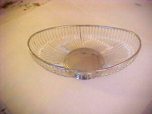 Vintage Raimond Silverplated Oval Wire Bread Or Fruit Basket