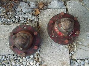 International 300 Utility Tractor Ihc Ih Pair Set Front Hubs W Caps Hub Cap