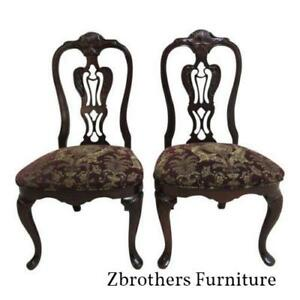 Pair Of Thomasville Solid Mahogany Chippendale Dining Room Carved Side Chairs C