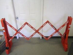 Tapco 2770 00001 Orange Collapsible 43 X 19 X 90 Traffic Barricade New