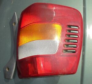 2000 Jeep Grand Cherokee R Side Tail Light Factory Oem 1999 2004