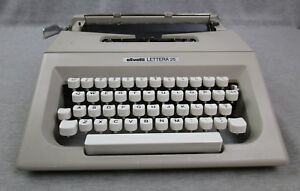 Vintage Olivetti Lettera 25 Beige Manual Typewriter Made In Spain