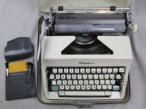 Vintage Olympia Deluxe Sm 9 1966 Manual Typewriter Case Made In Germany