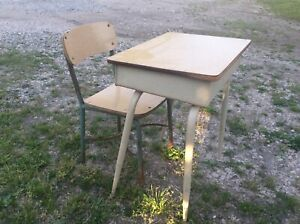 Vtg Turquoise Chair Industrial Mid Century Student School Metal Wood Desk Retro