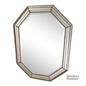 Italian Regency Style Venetian Gold Gilt Hanging Wall Octagon Mirror