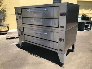 Bakers Pride Y 600 Double Stack Natural Or Propane Gas 6 Pie Deck Pizza Oven