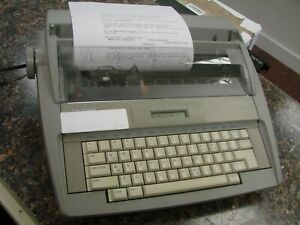Brother Sx 4000 Electronic Daisy Wheel Typewriter Word Processor 4s2
