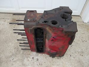 Farmall H Hv Early Sh Tractor Orinal Good Ih Gas 4 Cylinder Engine Motor Block